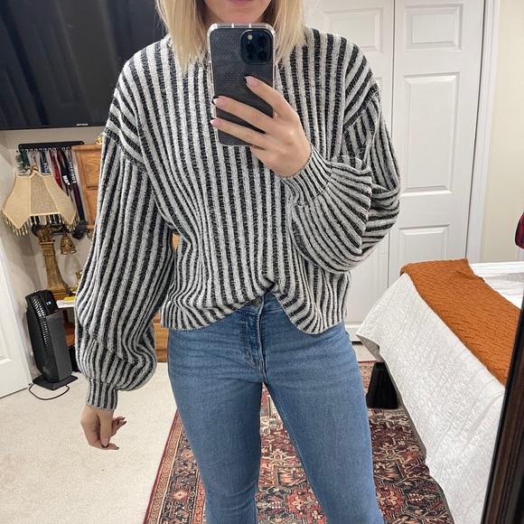 Ribbed ballon sleeve sweater